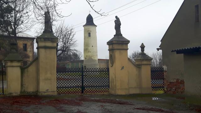 Hláska u zámku Chotěbuz