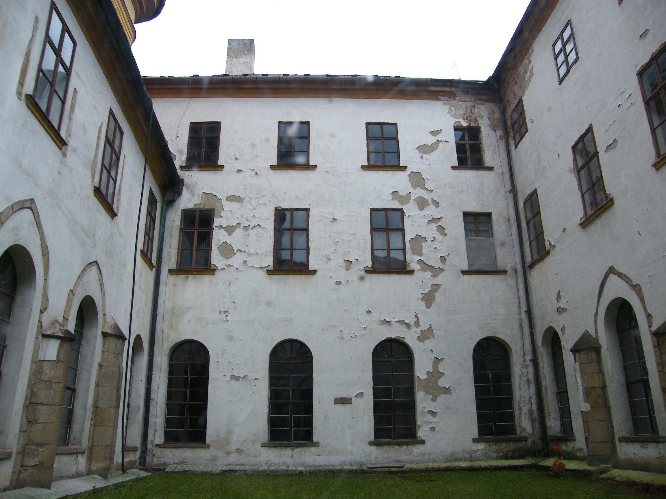 Augustiniánský klášter a Chrám Zvěstování Panny Marie ve Šternberku