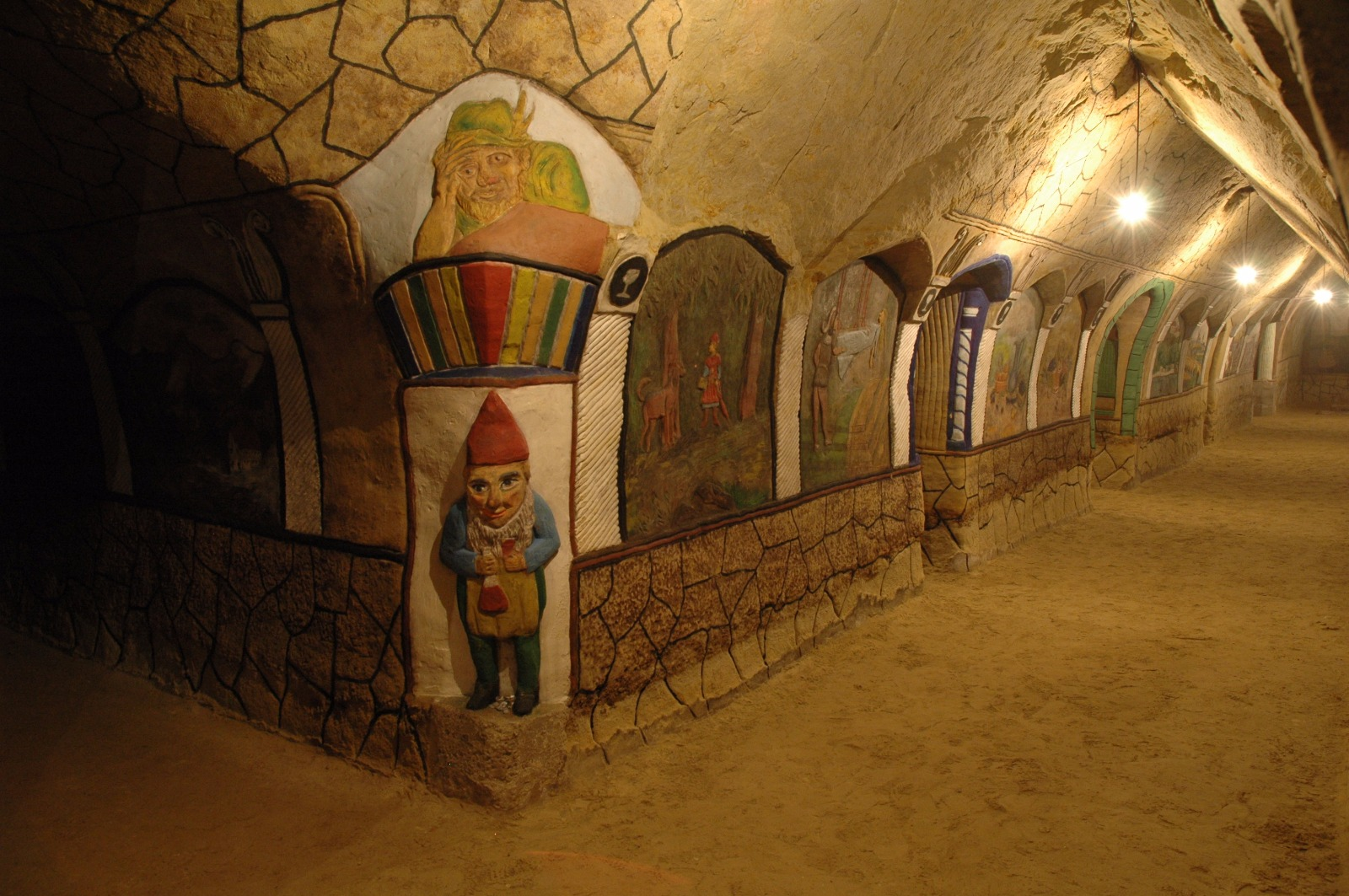 Malovaný sklep Šatov
