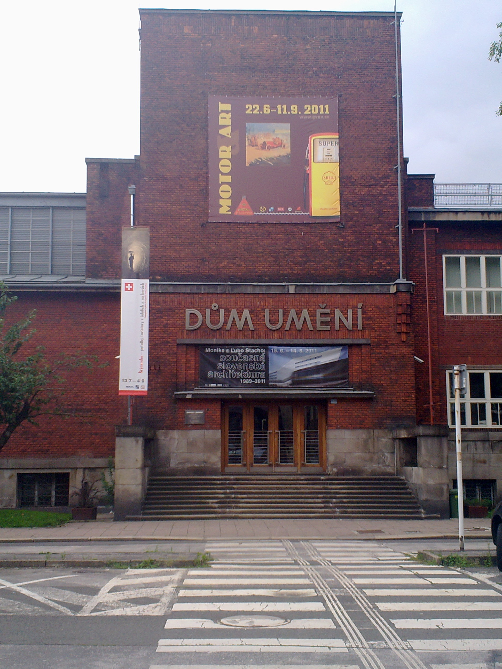 Galerie výtvarného umění (Dům umění) v Ostravě