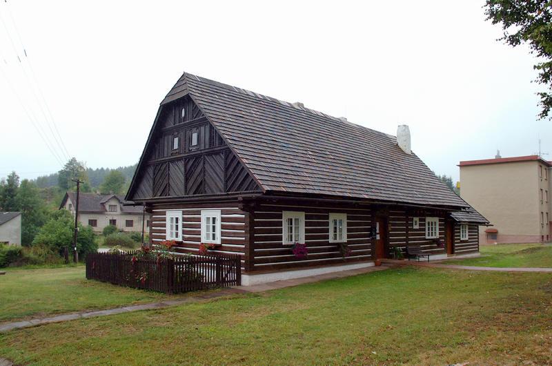 Stará škola - Stará Paka